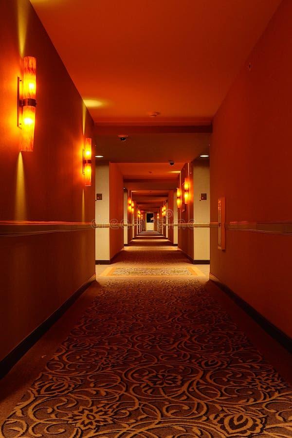 Vestíbulo en la noche foto de archivo libre de regalías