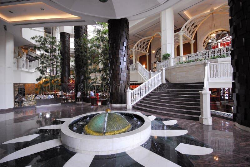 Vestíbulo luxuoso do hotel imagens de stock