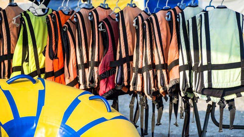 Veste de vida colorida da água foto de stock