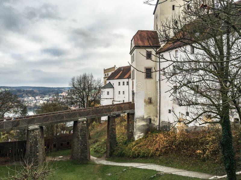 Veste Oberhaus, uma fortaleza velha em Passau, Alemanha imagens de stock