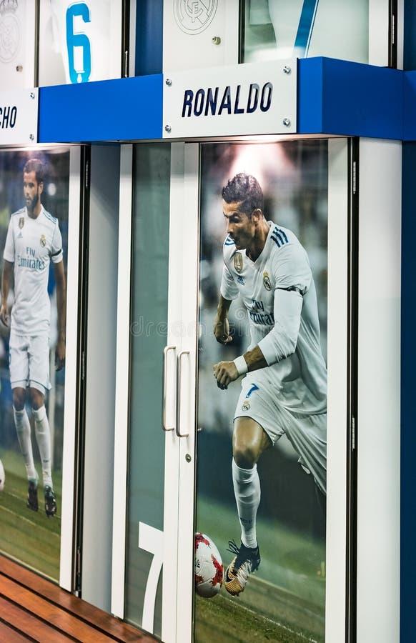 Vestiaire pour des joueurs d'équipe du stade royal du club du football de Real Madrid photos libres de droits
