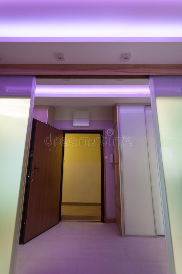 Vestibule lumineux en appartement luxueux image libre de droits