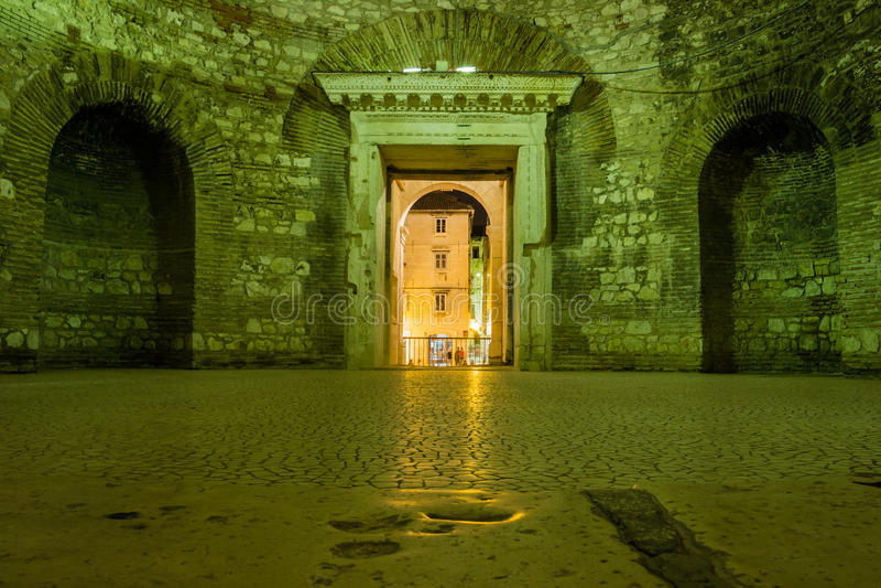vestibule Slott av kejsaren Diocletian split croatia arkivbilder