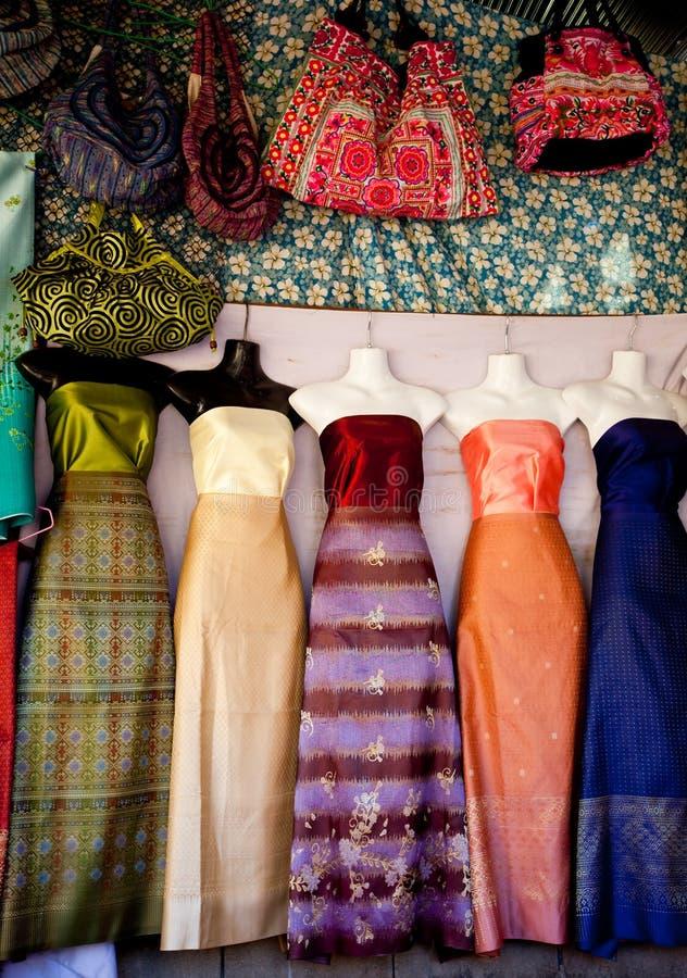 Vestido colorido. fotos de stock