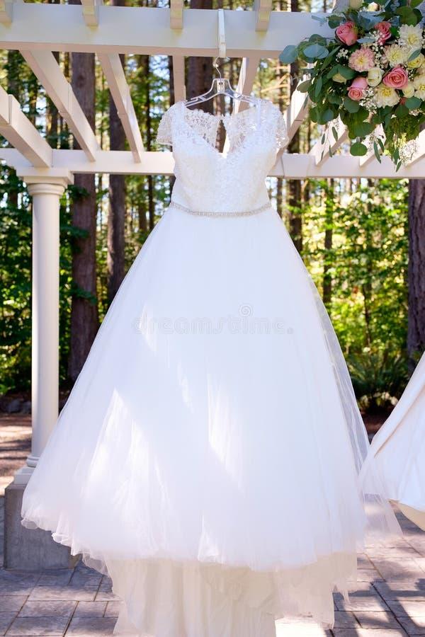 Vestido De Boda Del Vintage En Pregola Imagen de archivo - Imagen de ...