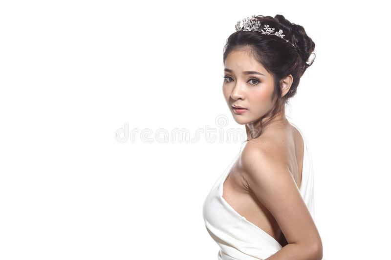 Vestido de bola do vestido de noite na mulher bonita asiática com forma miliampère imagens de stock