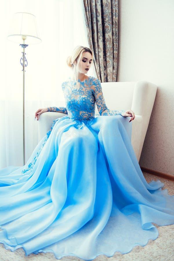 Vestido de la elegancia de la boda fotografía de archivo