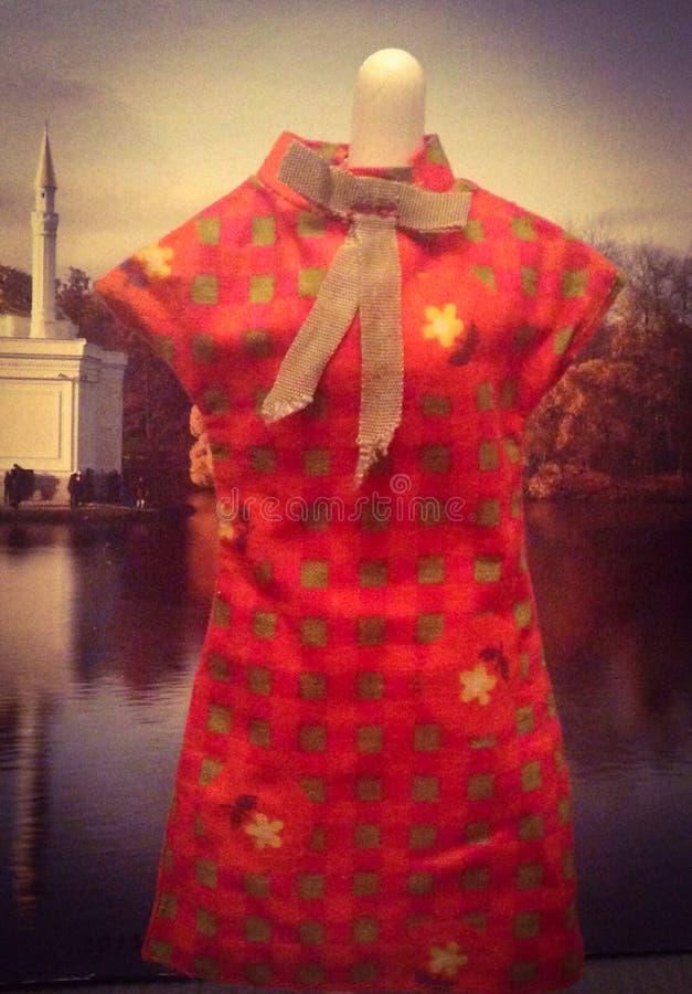 Vestido de la muñeca imágenes de archivo libres de regalías