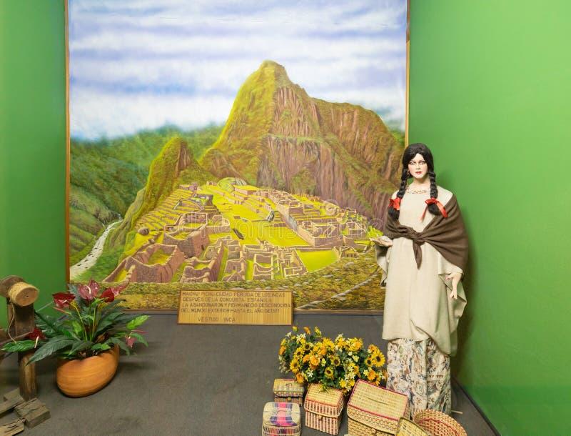 Vestido de la mujer del inca del parque de Bogotá Jaime Duque fotos de archivo libres de regalías