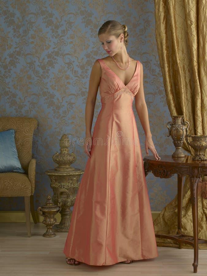 Vestido de noite alaranjado imagens de stock royalty free