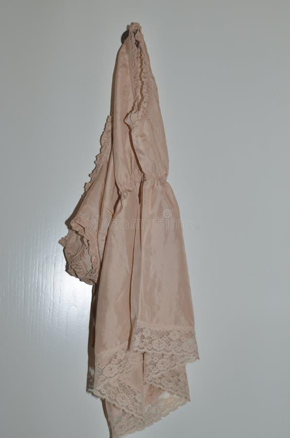 Vestido de seda da noite foto de stock