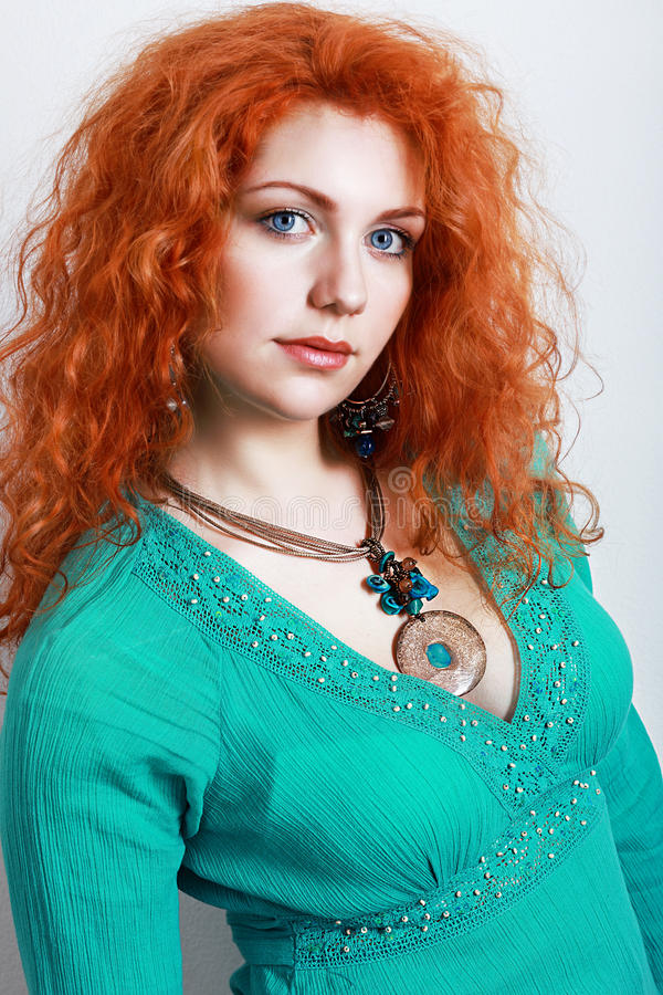 Vestido hermoso de la turquesa de la mujer imagenes de archivo