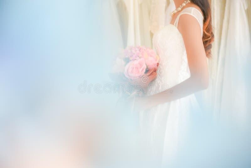 Vestido suave dulce de la novia y de boda imagenes de archivo