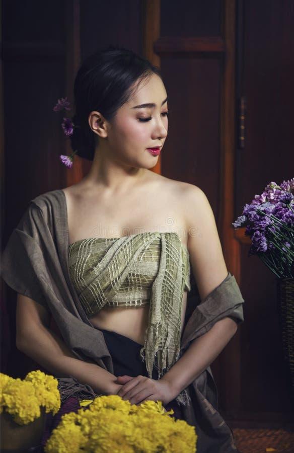 Vestido tradicional de Tailandia foto de archivo