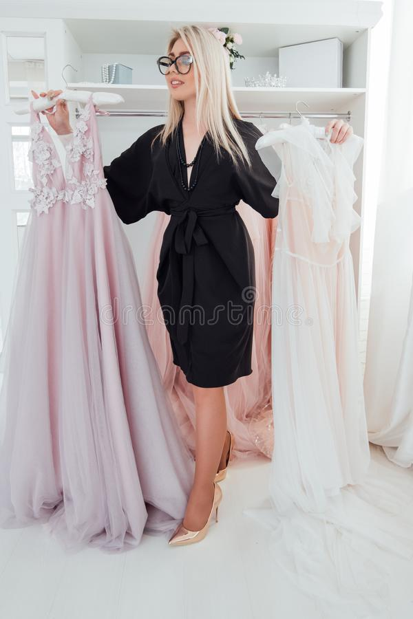 Vestidos De Noche De Lujo Del Consultor De Moda Del Boutique