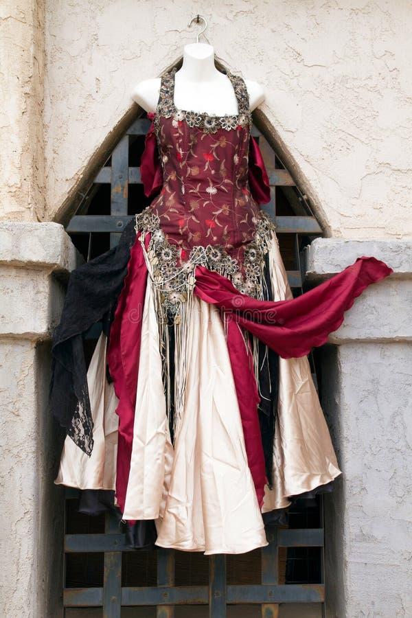 Vestidos e vestidos do renascimento do ` s das mulheres foto de stock royalty free