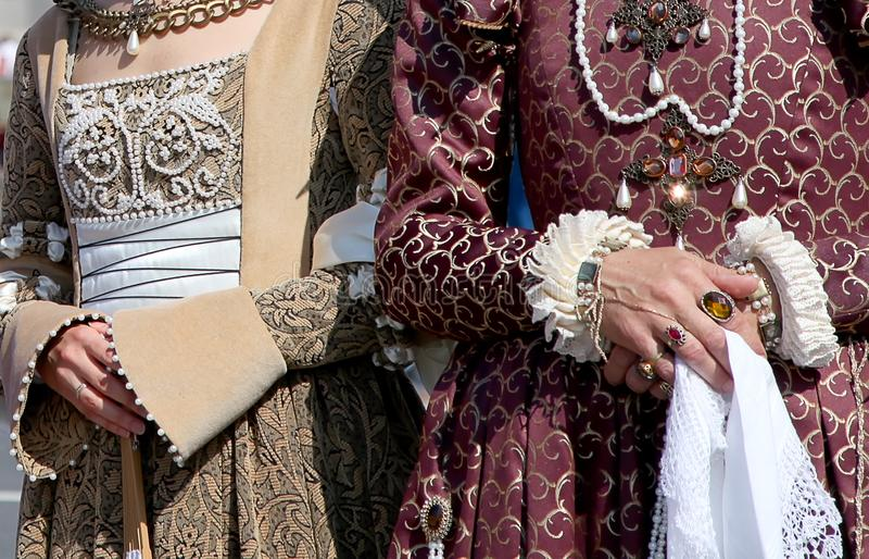 Vestidos medievais imagem de stock