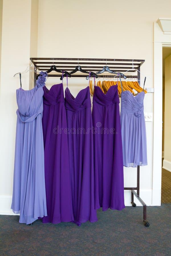 Vestidos Púrpuras De La Dama De Honor Imagen de archivo - Imagen de ...