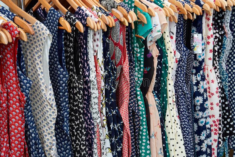 Vestidos Rockabilly do às bolinhas foto de stock royalty free