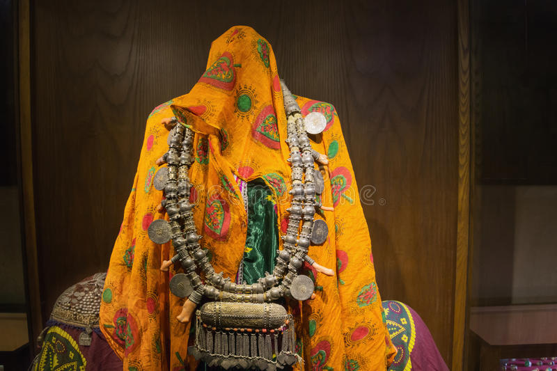 Vestidura tradicional de mulheres omanenses imagem de stock