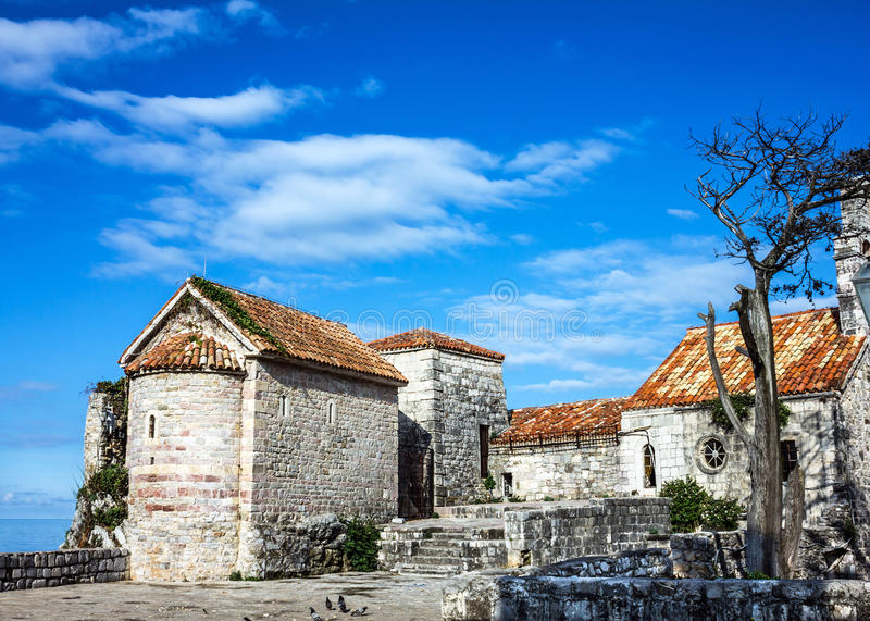 Vesting in oude stad Budva, Montenegro stock afbeelding