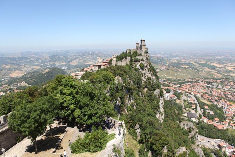 Download Vesting Van La Rocca. San Marino Stock Afbeelding - Afbeelding bestaande uit kasteel, berg: 39103945