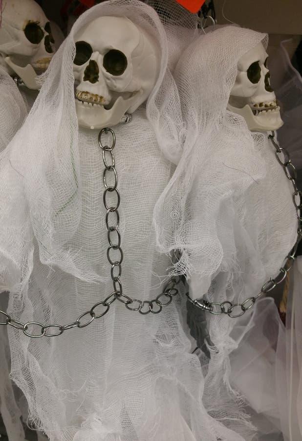 Vestiti bianchi di scheletro fittizi fotografie stock libere da diritti