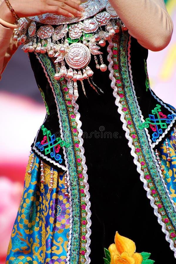 Vestiti e monili di Zhuang immagini stock