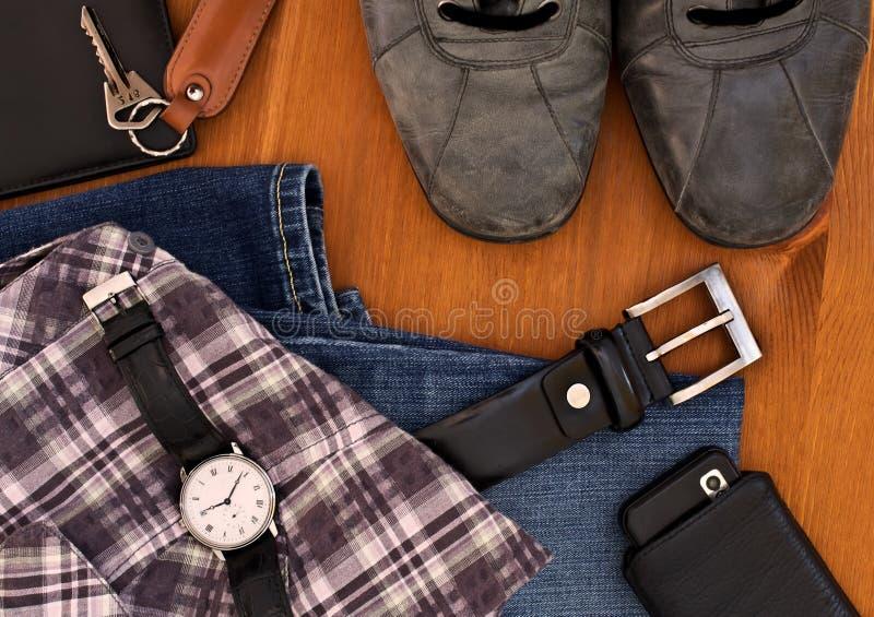 Vestiti ed accessori degli uomini immagini stock libere da diritti