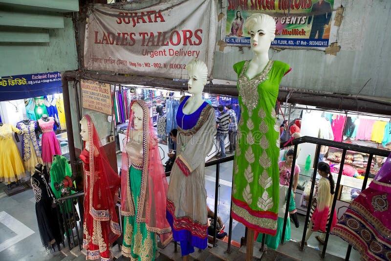 Vestiti indiani da vendere al nuovo mercato, Calcutta, India fotografia stock libera da diritti