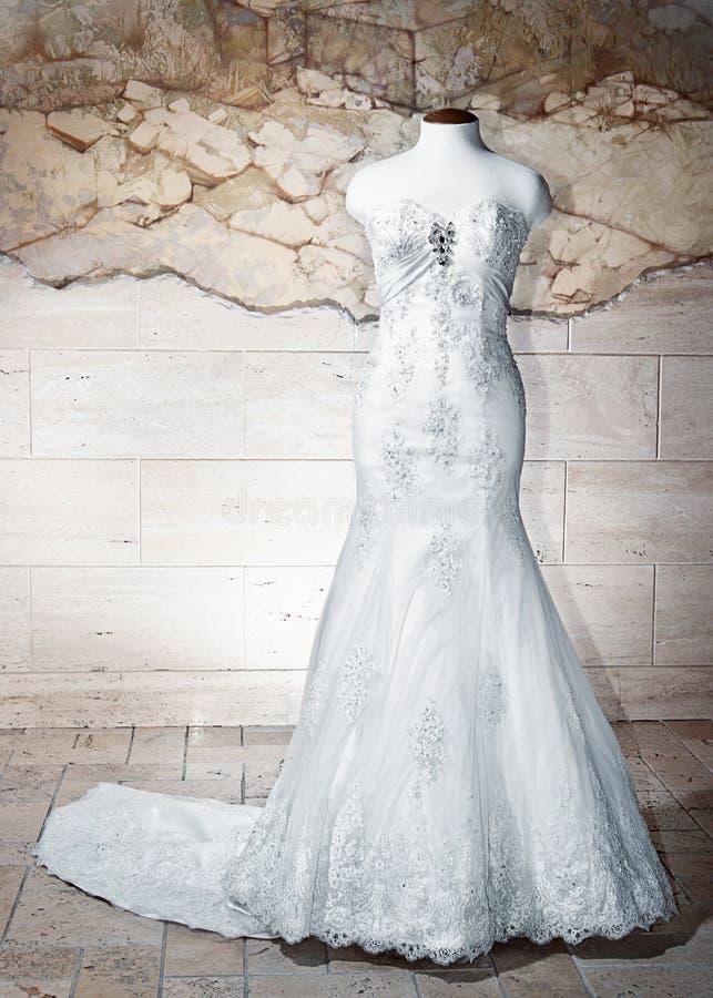 Vestito da cerimonia nuziale immagine stock libera da diritti