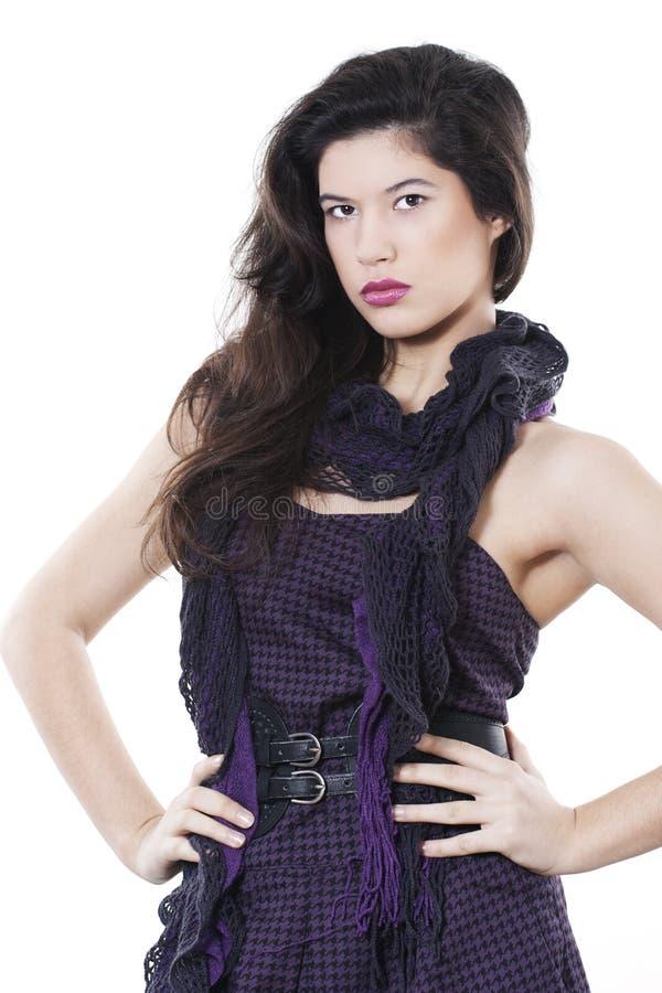 Vestito da portare dalla donna del Brunette fotografia stock libera da diritti