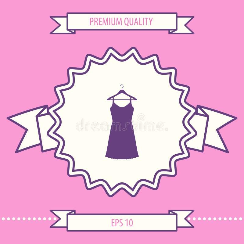 Vestito da sera, da prendisole, combinazione o camicia da notte sul gancio del guardaroba, la siluetta Voce di menu nel web desig illustrazione di stock