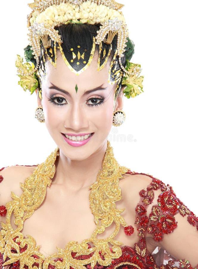 Download Vestito Da Sposa Tradizionale Dalla Donna Di Java Immagine Stock - Immagine di asiatico, unione: 30829845