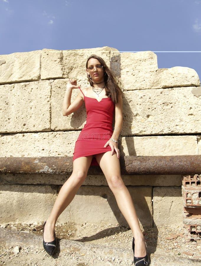 Download Vestito rosso fotografia stock. Immagine di ragazza, faccia - 213890