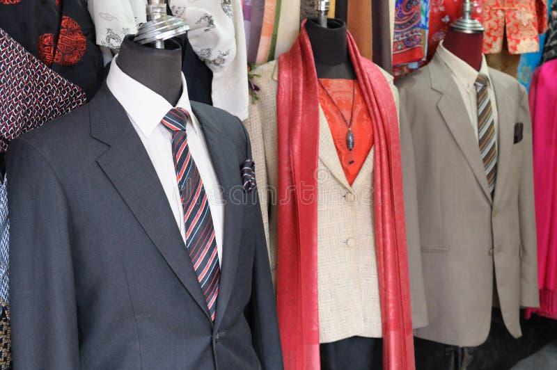 Vestuário formal em manequins decapitado fotos de stock royalty free