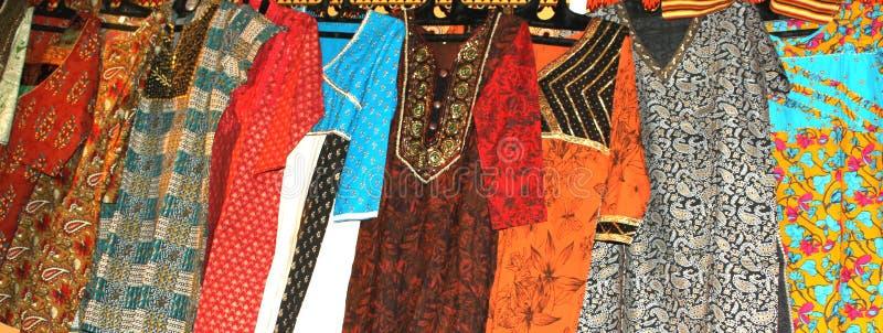 Vestuários coloridos foto de stock