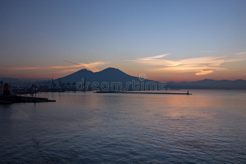 Vesuvius wulkanu zmierzchu widok, Naple, Włochy obraz royalty free