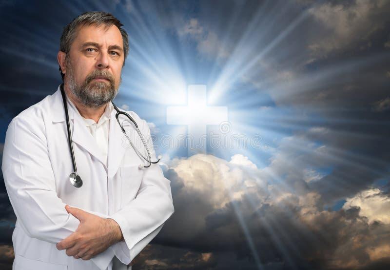 Vetenskap eller religion arkivfoton
