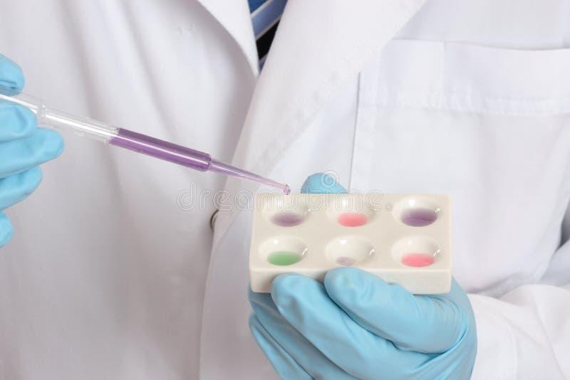 vetenskapliga prov för laboratoriummedicinsk forskning fotografering för bildbyråer