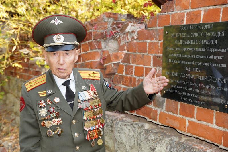 Veteraan van de Slag van Stalingrad kolonel Vladimir Turov stock foto's