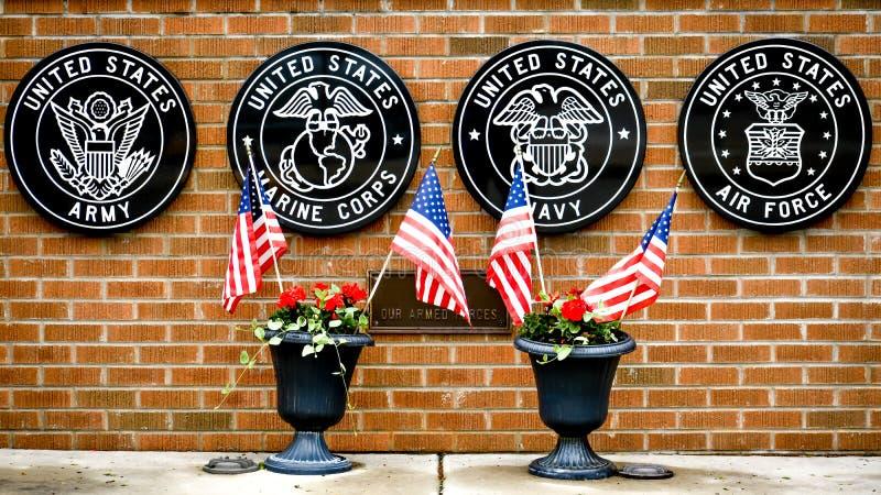 Veteran minnesmärke i östliga Troy, Wisconsin royaltyfri bild