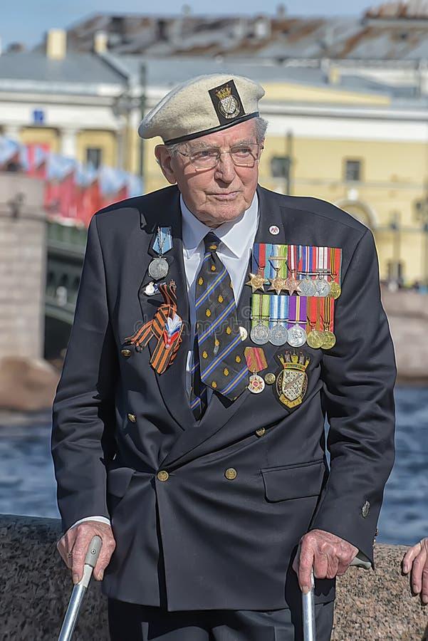 Download Veteranen van oorlogen redactionele afbeelding. Afbeelding bestaande uit epaulets - 54075095
