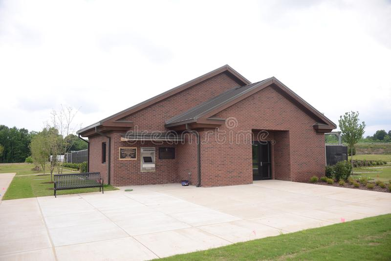 Veterans Cemetery Building at Parker Crossroads. Veterans Cemetery Building at Parkers Crossroads, Parkers Crossroads is a city in Henderson County, Tennessee stock image