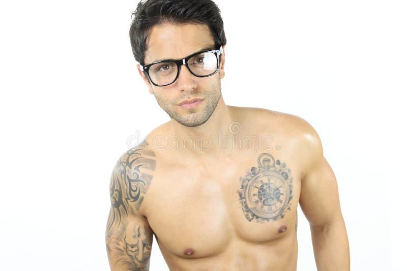 Download Vetri d'uso sexy maschii fotografia stock. Immagine di tatuaggio - 55362892