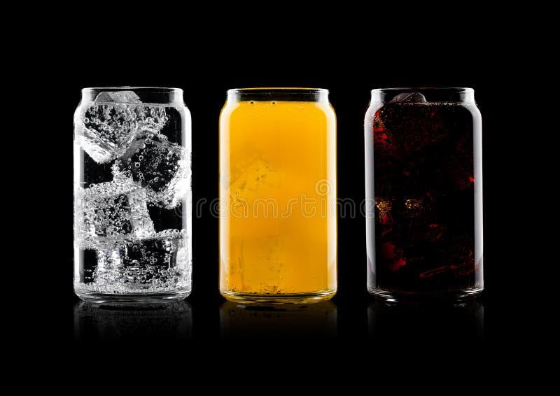 Vetri di cola e della bevanda e della limonata della soda arancio immagine stock libera da diritti