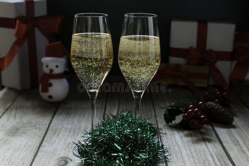 Vetri e Santa di Champagne fotografia stock