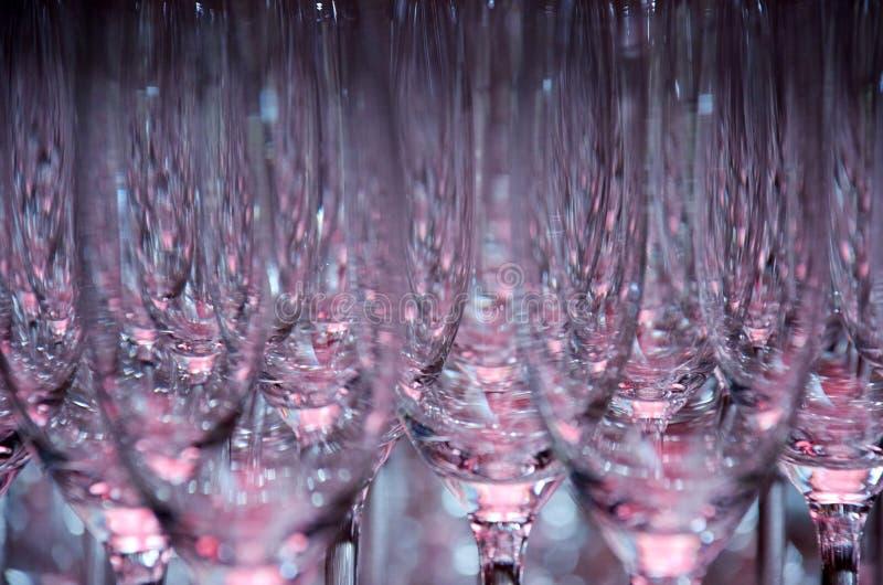 Vetri scintillanti vuoti del champagne immagine stock libera da diritti