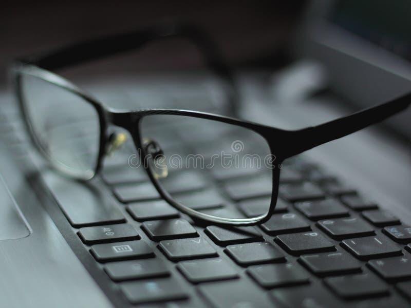 Vetri su una tastiera fotografie stock