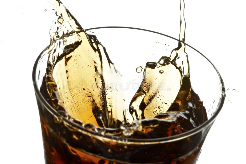 Vetro con cola e ghiaccio immagine stock libera da diritti